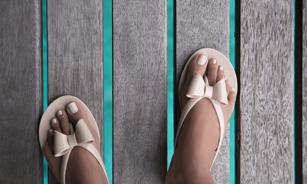 flat women foot